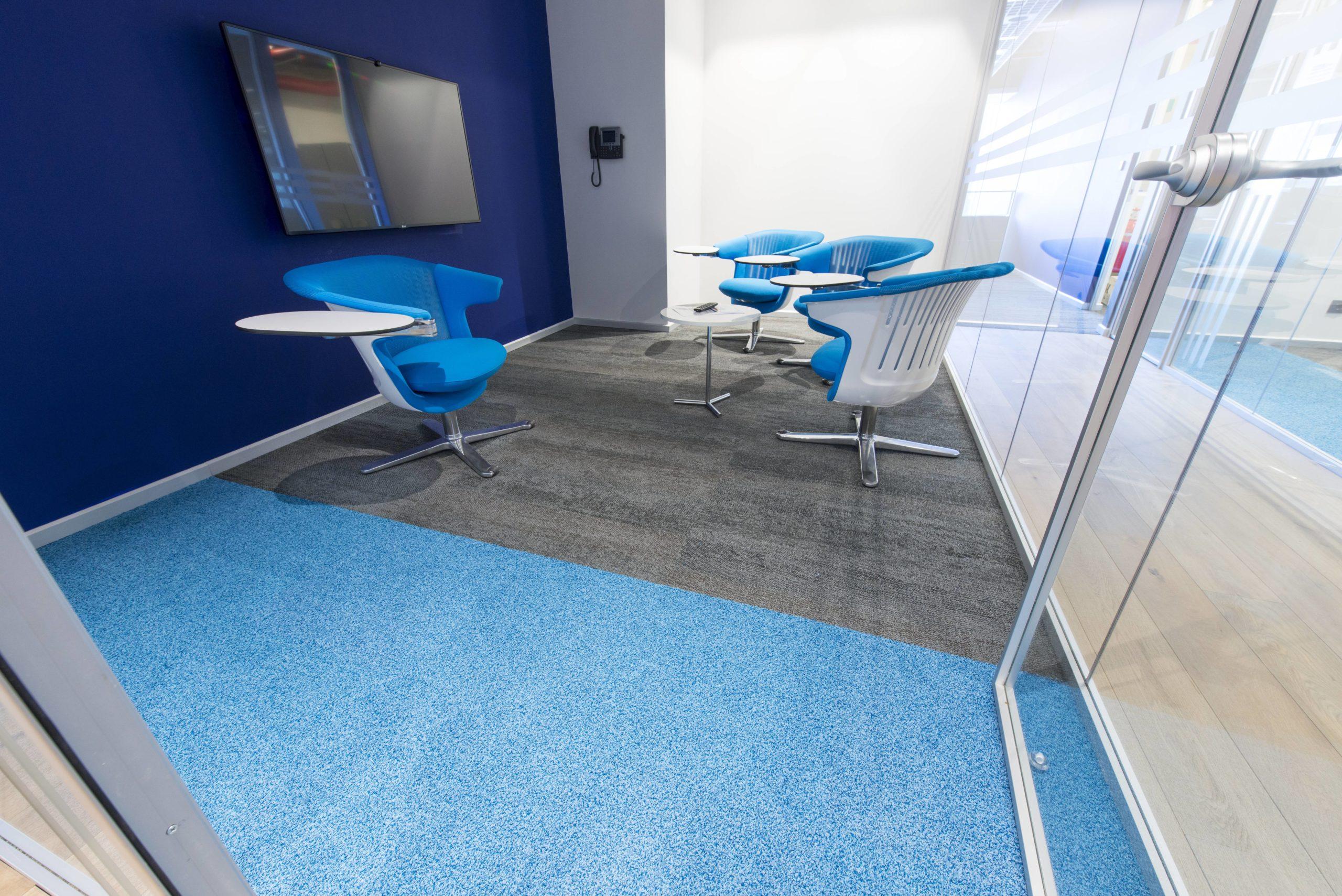 Poliüretan Zemin Kaplama - mavi ve gri poliuretan ofis zemin kaplama scaled
